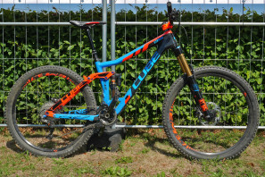 Cube_Stereo-160-C68_Action-Team-edition_carbon-enduro-mountain-bike_driveside-complete