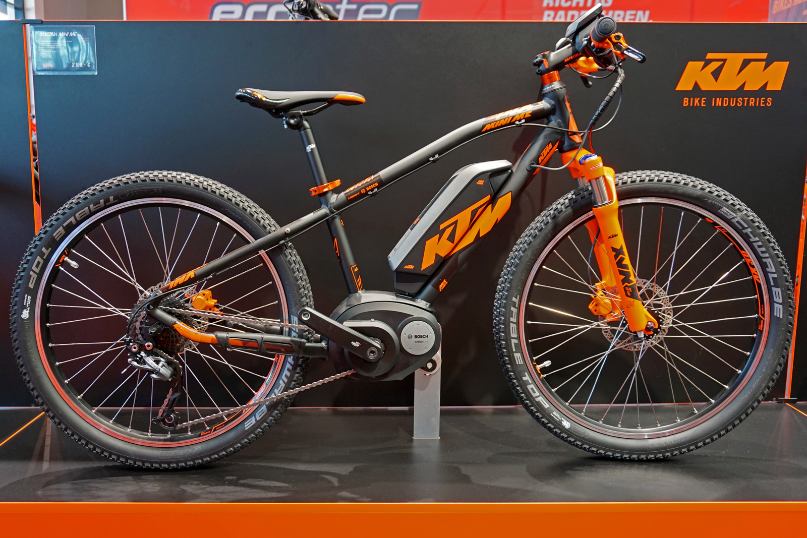 eb15 ktm updates mountain bikes with straight line link. Black Bedroom Furniture Sets. Home Design Ideas