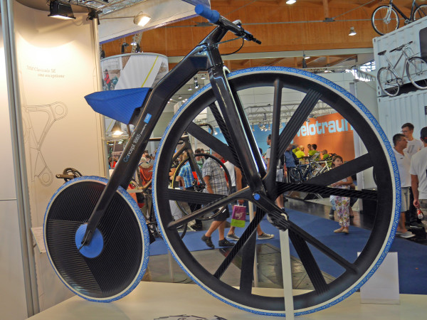 THM_Concept-1865_BASF_prototype-project-carbon-penny-farthing-e-bike_complete