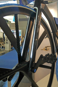 THM_Concept-1865_BASF_prototype-project-carbon-penny-farthing-e-bike_fork-detail