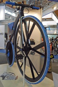 THM_Concept-1865_BASF_prototype-project-carbon-penny-farthing-e-bike_front-details