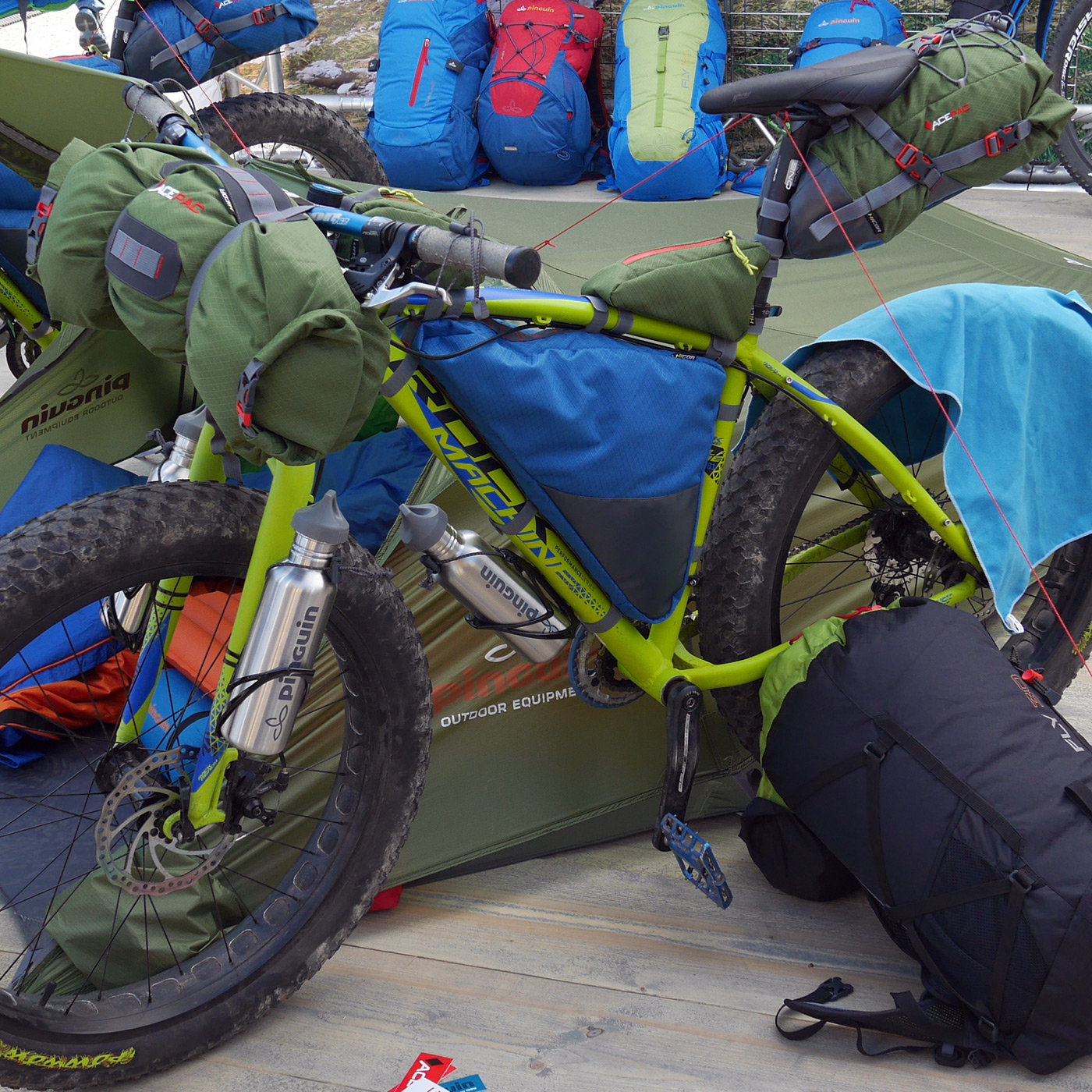 Eb15 bikepacking mountainbiking and touring bag round Outdoor bicycle