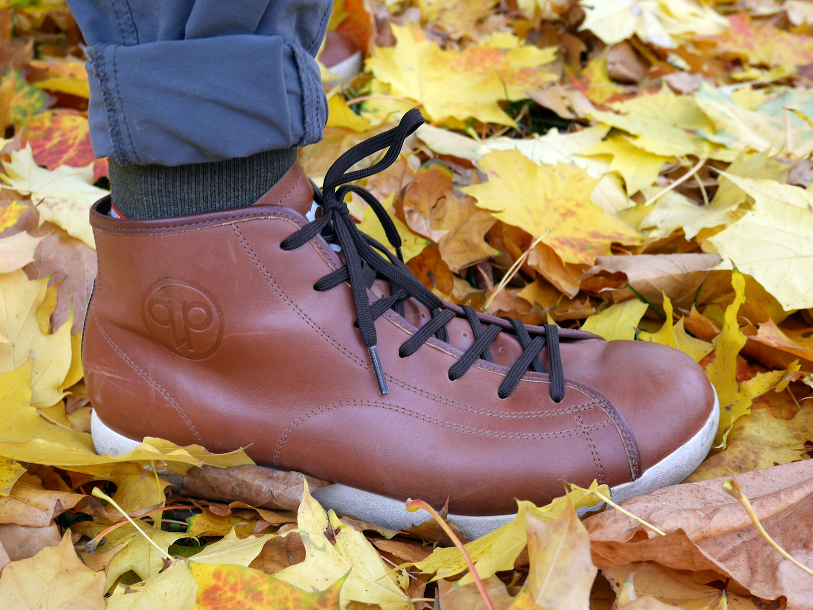 Quoc-Pham_Urbanite-Mid-tan_leather-commuting-clipless-shoe_right