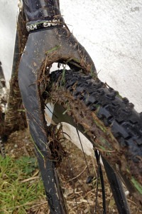 Ritchey_WCS-Carbon-Disc-Cross-Fork_straight-steerer-cyclocross-fork_mud-front