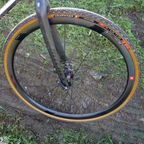 3T-Discus-C35_mid-section-disc-brake-carbon-clincher-wheelset_road-gravel-cyclocross_front-wheel