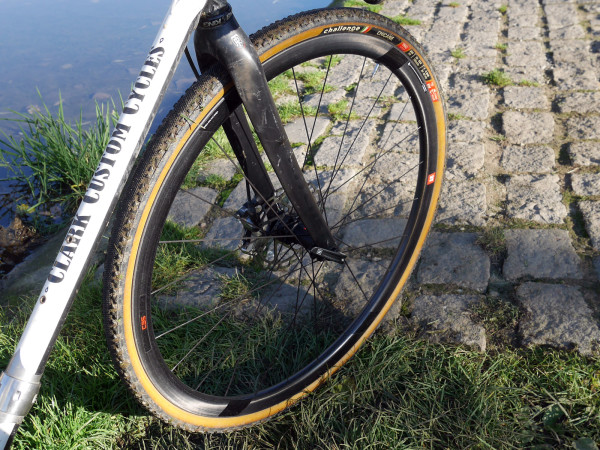 Review: 3T Discus C35 Team Carbon clincher Road and ...