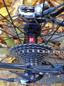 3T-Discus-C35_mid-section-disc-brake-carbon-clincher-wheelset_road-gravel-cyclocross_rear-hub