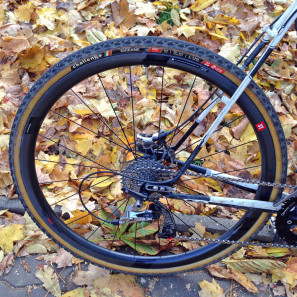 3T-Discus-C35_mid-section-disc-brake-carbon-clincher-wheelset_road-gravel-cyclocross_rear-wheel