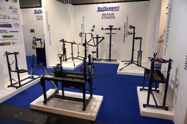BiciSupport-bicycle-repair-workshop-stands-tables-mounts-and-tools01