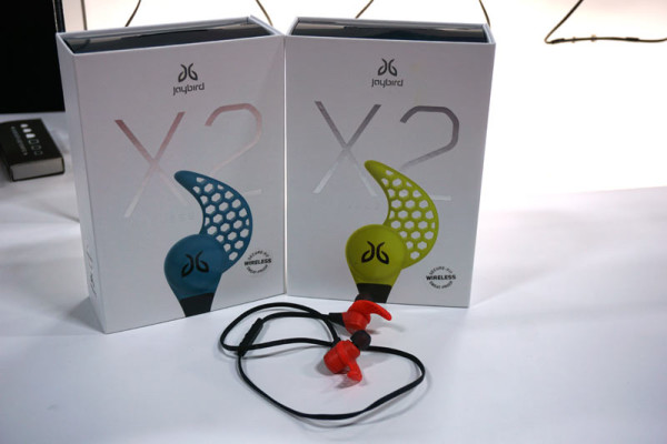 Jaybird-X2-bluetooth-earbuds-for-athletes01