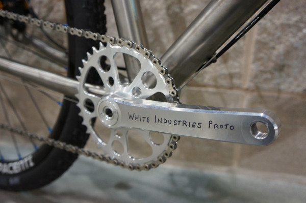 White Industries Engin Cycles Paragon Machine works t41 threaded press fit bottom bracket-11