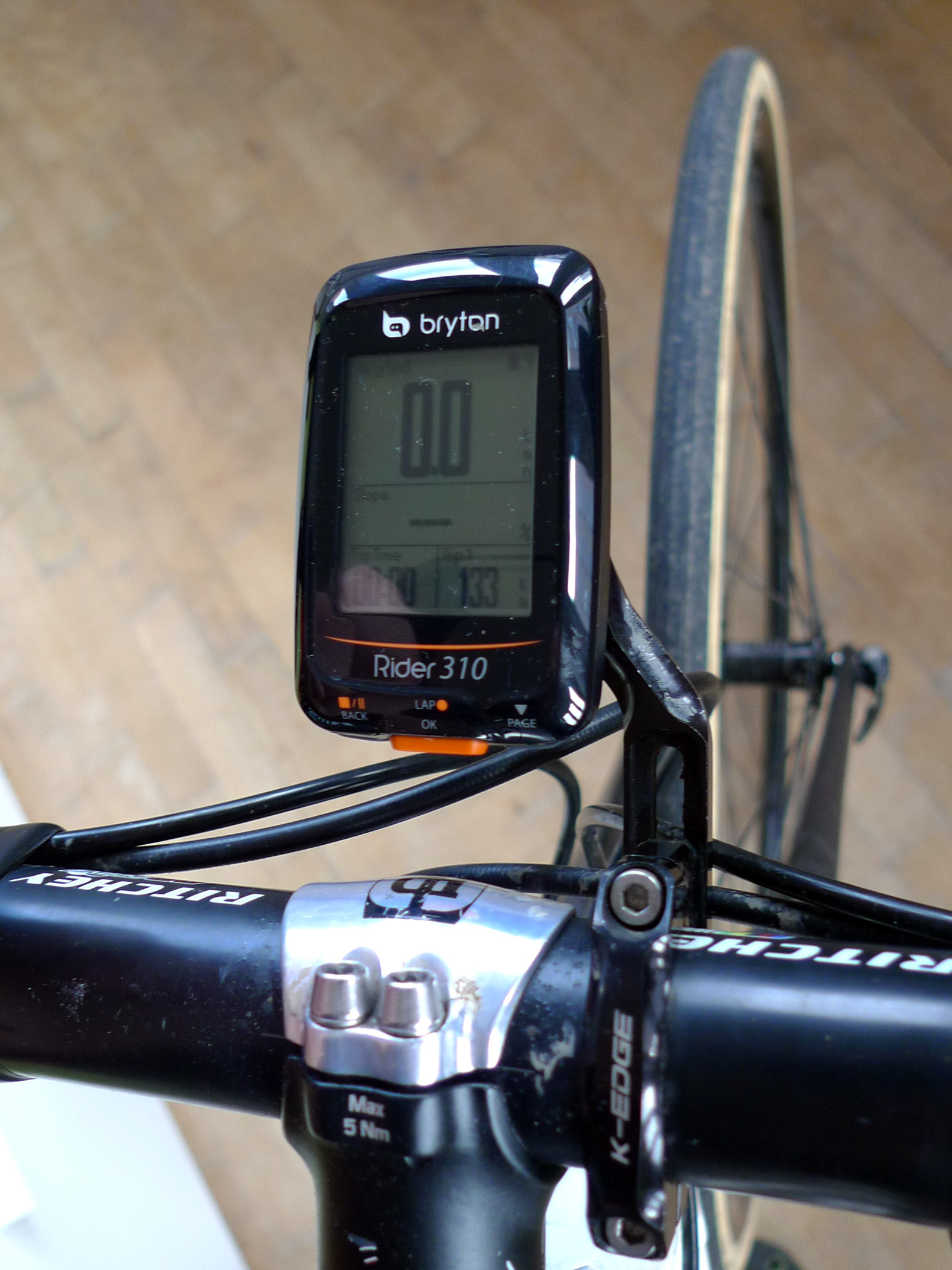 Review Bryton Rider 310 affordable GPS tracking cycle computer