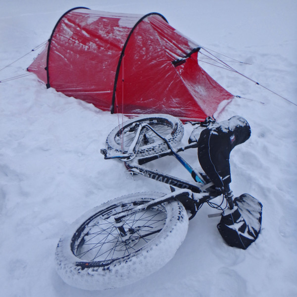 TDA-Global-Cycling_The-Last-Degree_Antarctic-expedition_Lake-Winnipeg-training_Specialized-fat-boy+tent