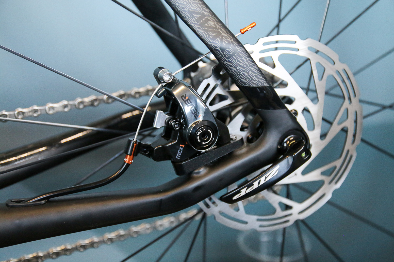 Rever Brings Flat Mount To Their Dual Piston Mechanical