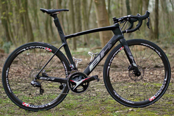 Roubaix-Tech_RVV_BH-G7-Disc_disc-brake-aero-road-race-bike_Direct-Energie_Romain-Cardis_side