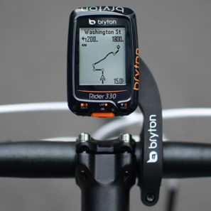 Bryton_Rider-330_low-cost-GPS-cycling-computer_on-bike