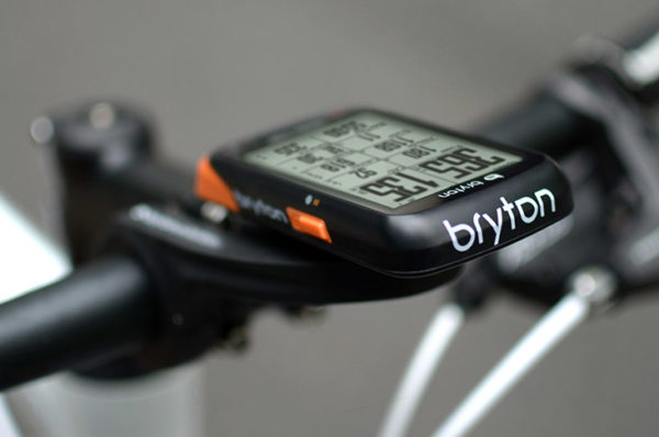 Bryton_Rider-530_low-cost-GPS-cycling-computer_front