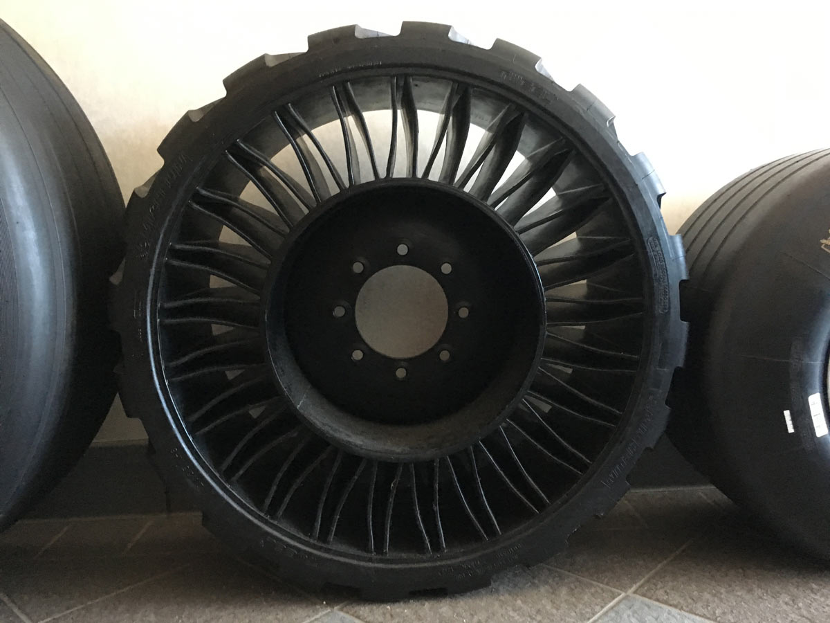 can tires make a bigger difference than aero wheels we put michelin power to the test bikerumor. Black Bedroom Furniture Sets. Home Design Ideas