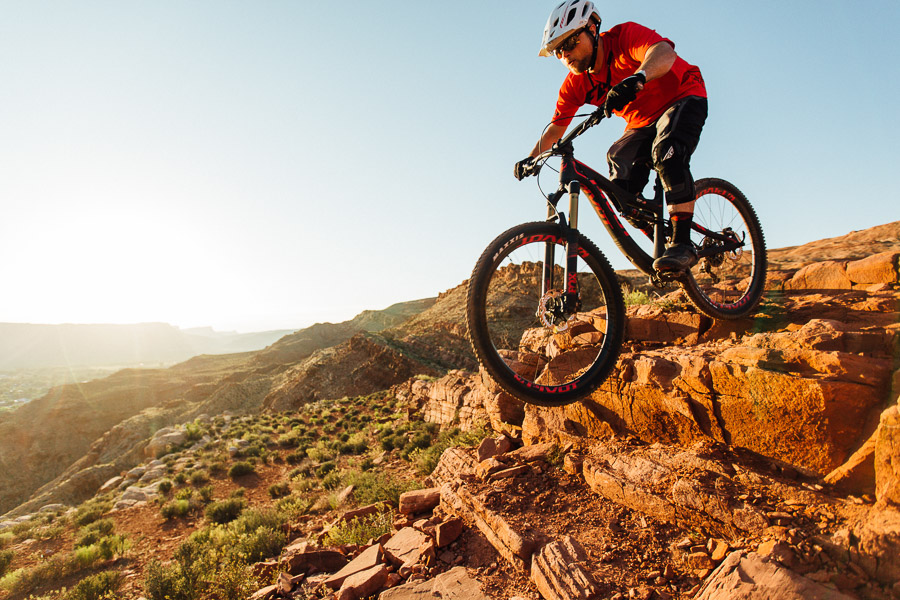 Motorcycle Pivot : First impressions riding the pivot switchblade in and