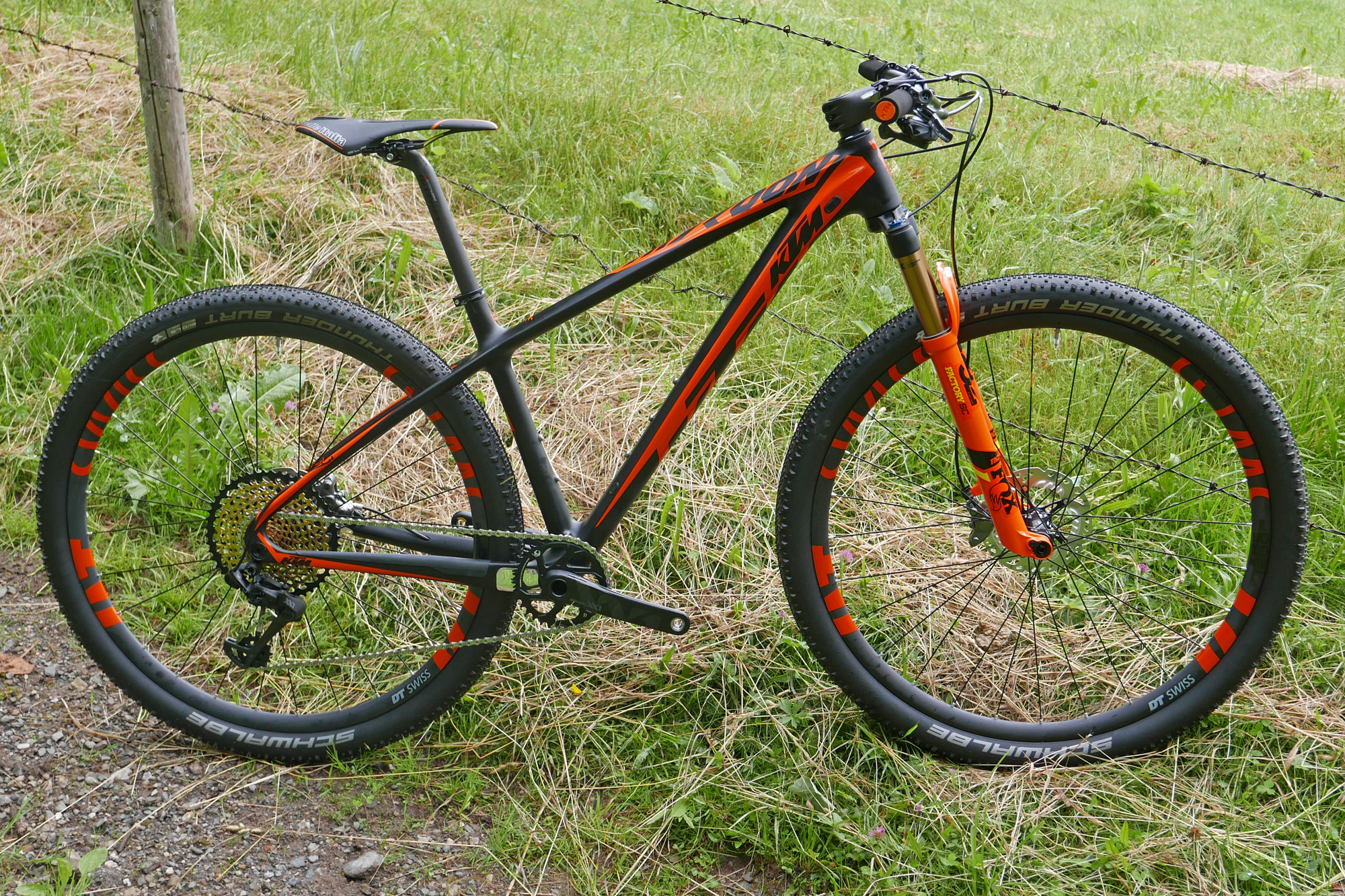 Ktm Lays Up Race Ready Xc Full Suspension Scarp Hardtail Myroon