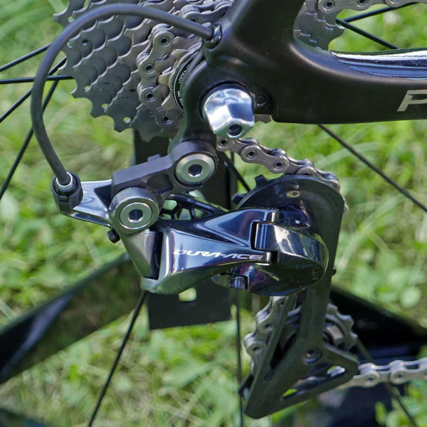 Shimnao_Dura-Ace-R9100_road-component-group_Shadow-rear-dereailleur-top
