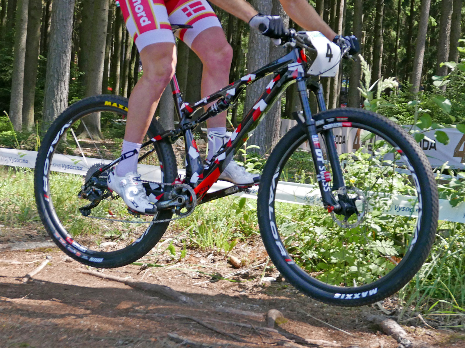 Superior Race New Carbon Team Xf29 Issue Full Suspension