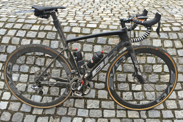 BH_G7-Disc_carbon-disc-brake-aero-wide-tire-classics-road-bike_complete