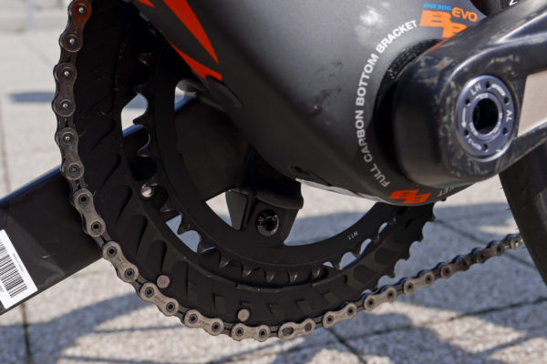 FSA_K-Force-WE_wireless-electronic-road-drivetrain-component-group_chainring-shaping