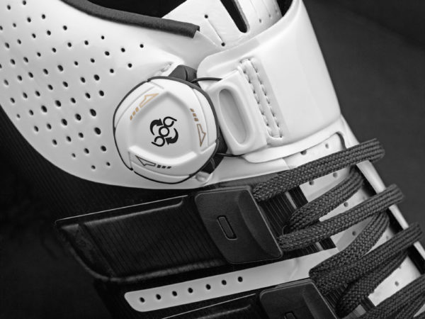Giro-Factress-Techlace_womens-lace-up+Boa-dial_premium-carbon-soled-road-shoes_white-lacing-detail-side