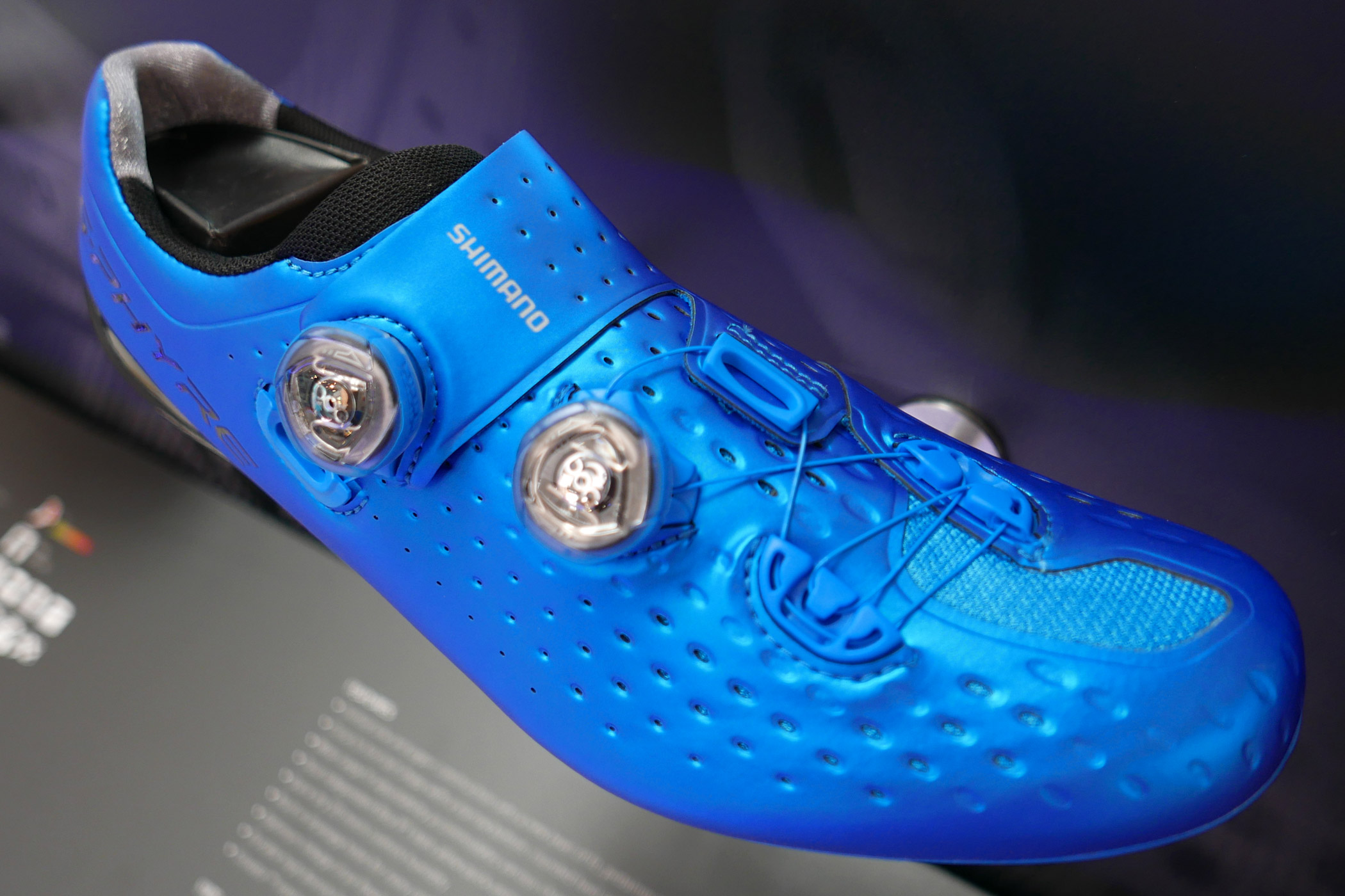Eb16 Shimano Steps Out With Top S Phyre Carbon Soled