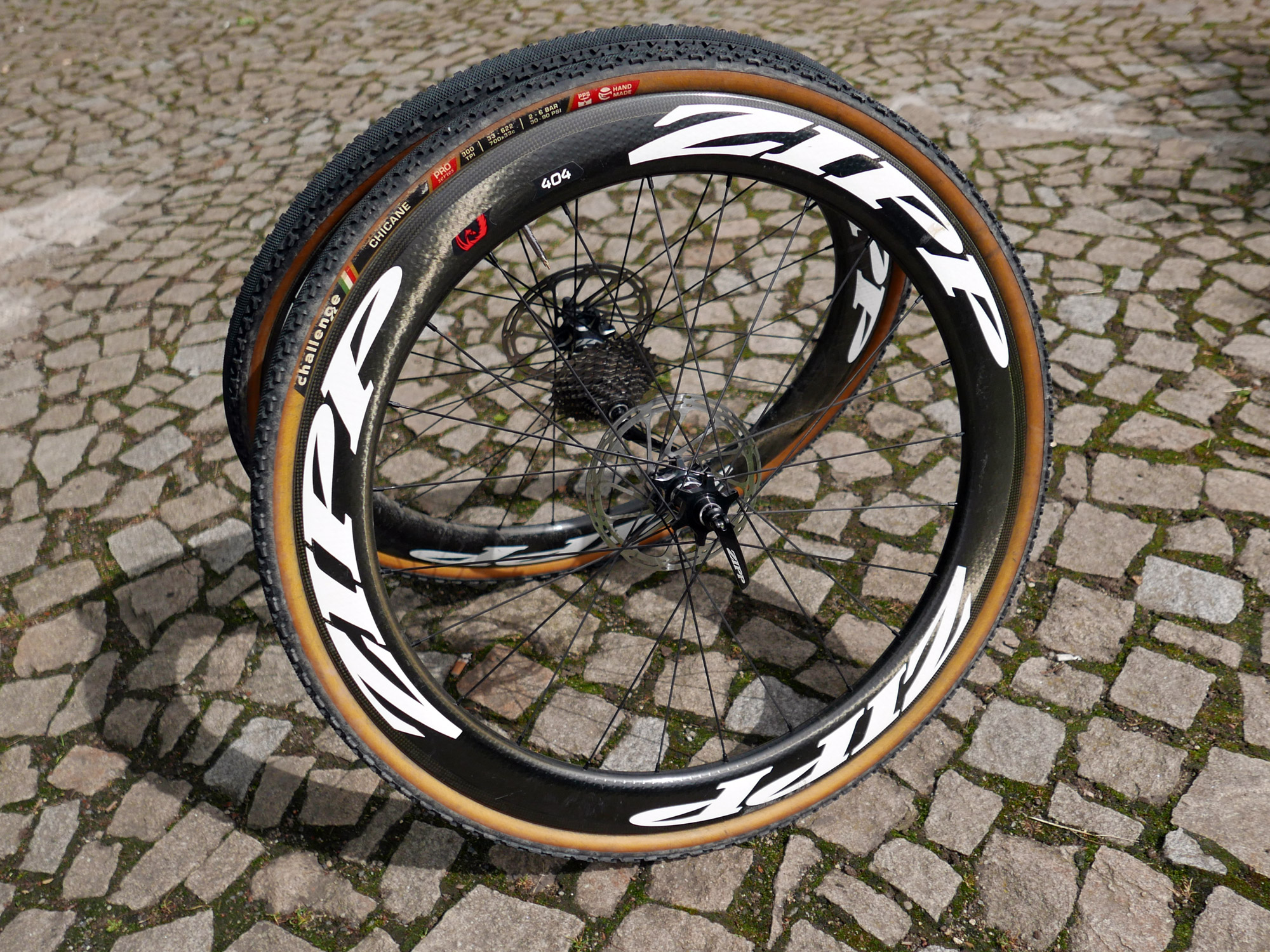 Review zipp 404 disc premier aero carbon clinchers for road and cross