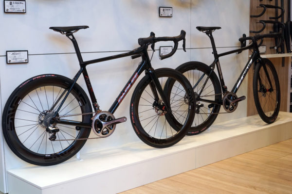 parlee altum and chebacco road gravel bikes switch to flat mount disc brakes and 12mm thru axles