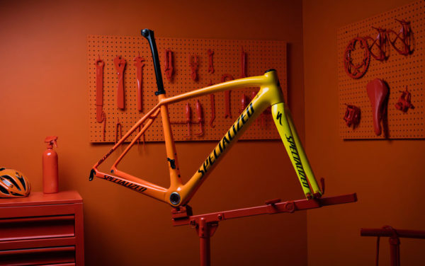 Specialized torch heat sensitive color changing bicycle paint