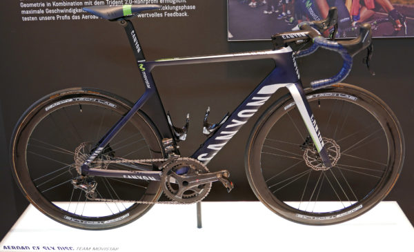 canyon_aeroad-cf-slx-disc_carbon-lightweight-disc-brake-aero-aerodynamic-road-race-bike_movistar-pro-team_complete