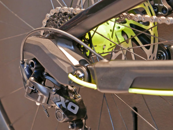Canyon_Project-DisConnect_on-the-fly-decoupled-DH-dhownhill-mountain-bike-drivetrain-suspnsion-prototype_hub-shifter