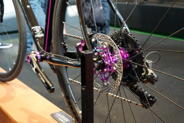 hope tech road disc brakes and hubs