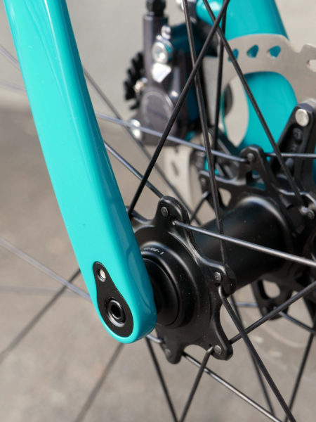Ritchey_Outback_steel-disc-brake-thru-axle-gravel-road-bike_front-dropout