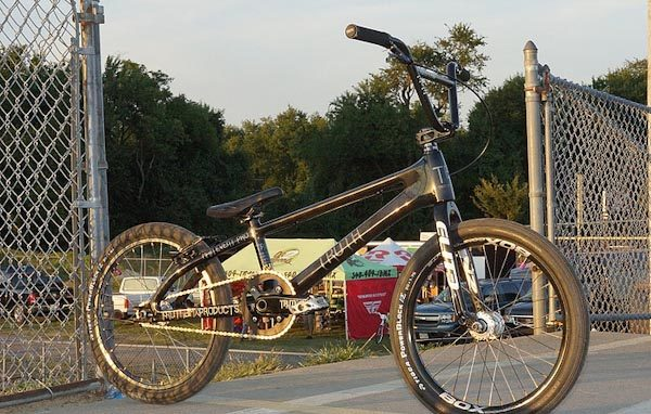 Truth BMX main event carbon, front angle