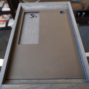 vadolibero_bike-butler-s_free-standing-premium-wood-bicycle-displaystereostorage-cabinet_leather-tray