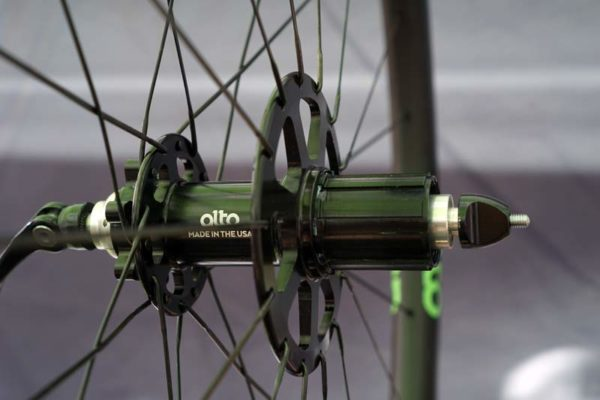 alto cycling disc brake mountain bike hubs and carbon and alloy wheels