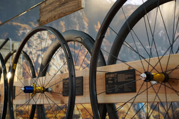 2017-tune-skyliner-carbon-clinchers-and-tubulars-wider01