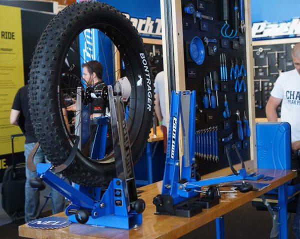 park tool fat bike wheel truing stand