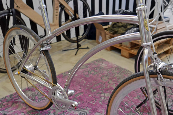 aoi-cycle_classic_stainless-steel-no-seattube-commuter-bike_frame