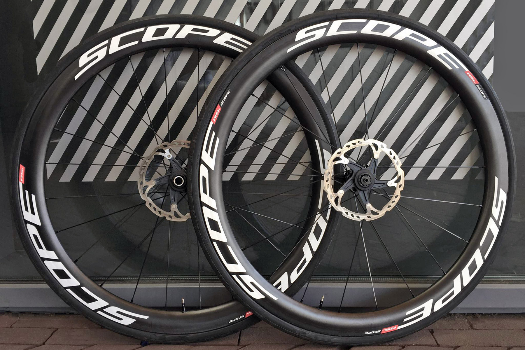 Scope Out Ground Up Dutch Developed Tubeless Carbon