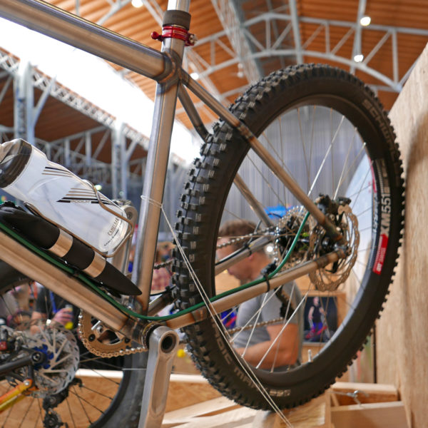 selberbruzzler_podenco-cycles_fr-dh-hardtail_amateur-framebuilder-collective_aggressive-all-mountain-trail-mountain-bike_rear-end