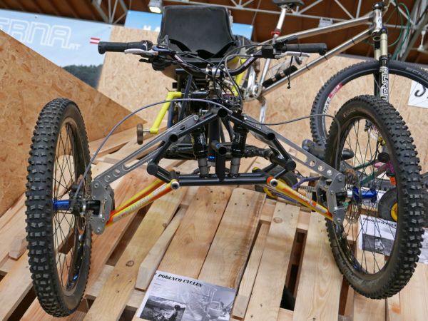 selberbruzzler_podenco-cycles_handuro_amateur-framebuilder-collective_custom-handcycle-all-mountain-enduro-trike_front-end