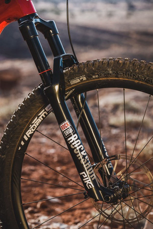 2018 Rockshox Pike trail and enduro mountain bike suspension fork gets all new Charger 2 damper and DebonAir internals with a lighter chassis