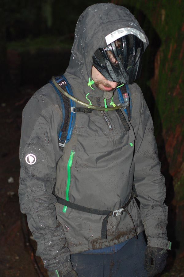 Endura MT500 pullover, front angle