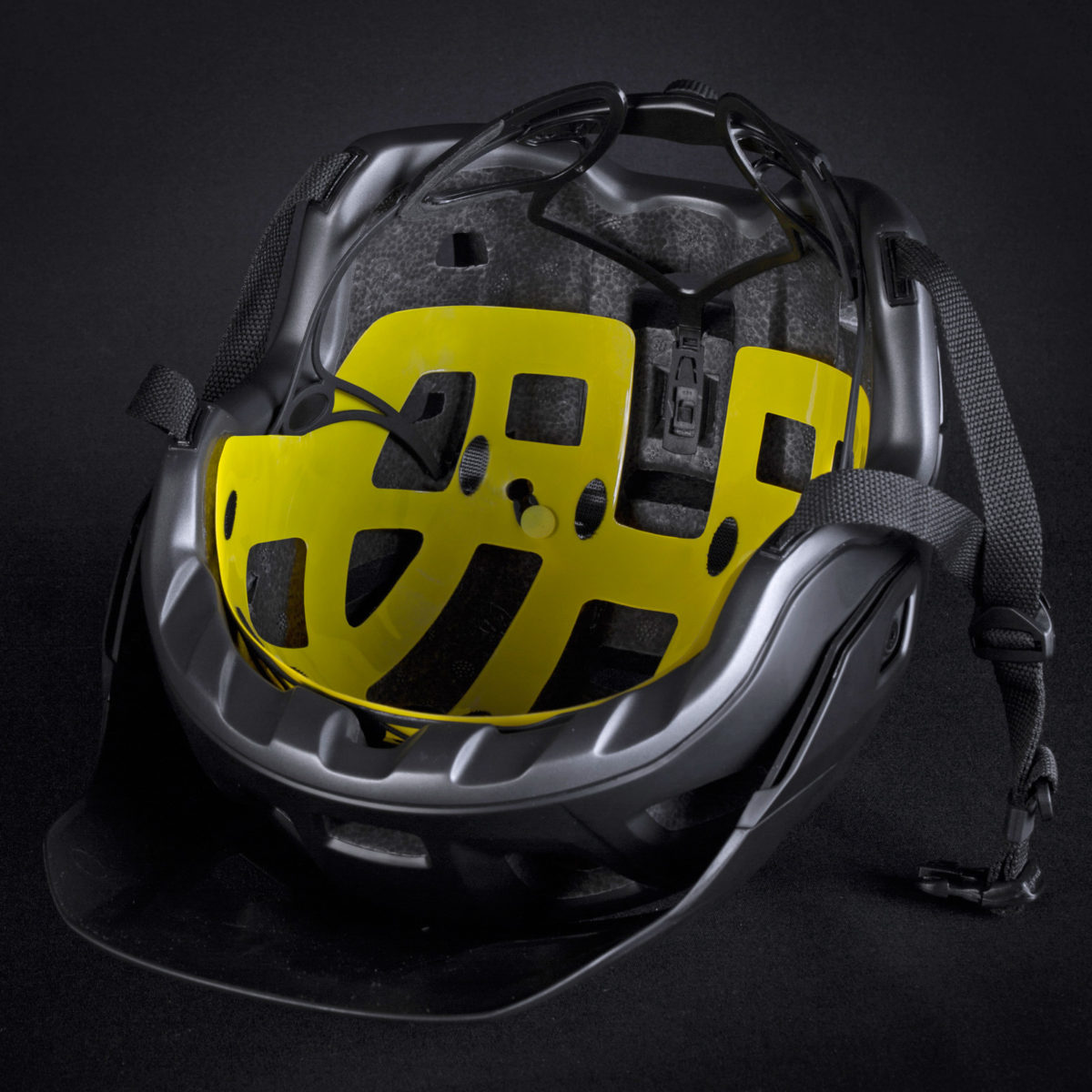 MET Roams into all mountain with new trail helmet