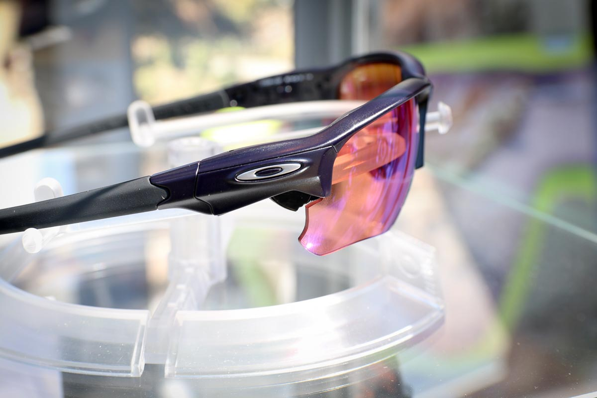 Oakley Clicks Into Flak Draft With Quick Change Prizm